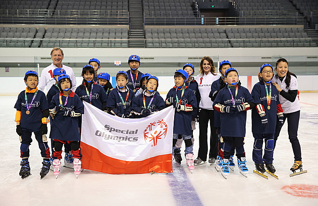 Children On The Ice - Laureus Sport For Good Project - Laureus World Sports Awards - Shanghai 2015